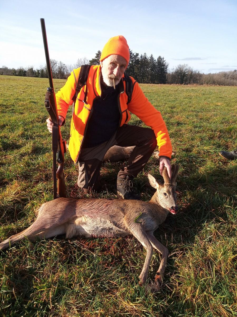 Une bonne matinée de chasse Img_2010