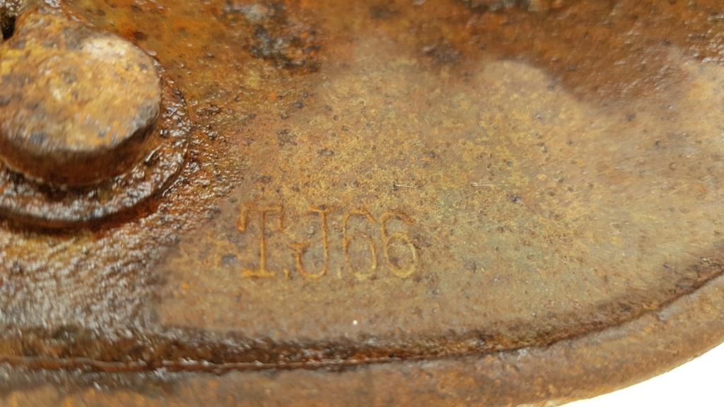 Coque stahlhelm modele 1916 (fouille) 20200239