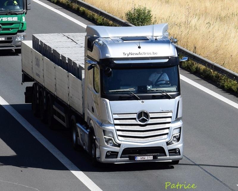 Mercedes Actros MP 5 (sans rétroviseurs) 23919