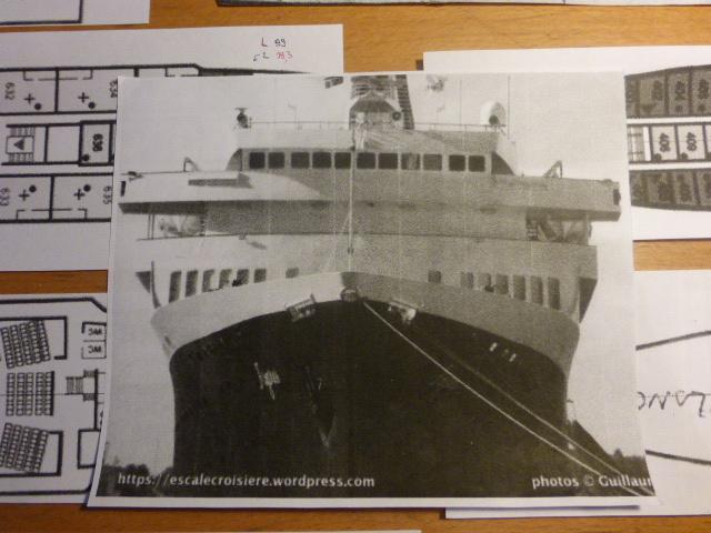 Paquebot MS Astoria au /100 ème modèle en bois et carton  P1020411