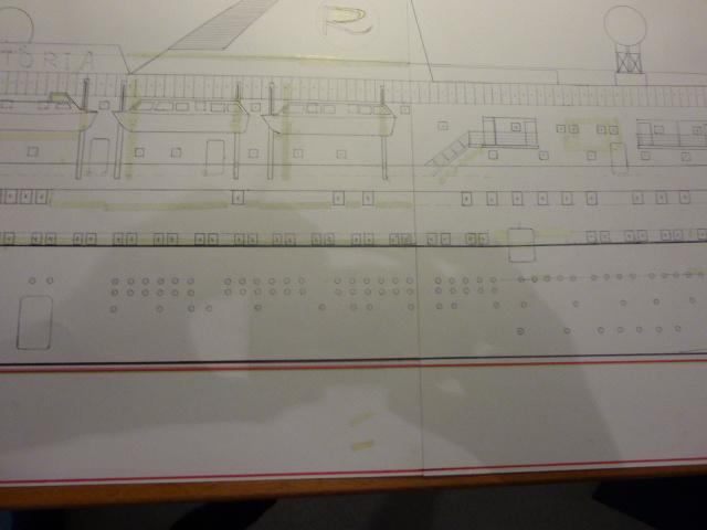 Paquebot MS Astoria au /100 ème modèle en bois et carton  P1020413