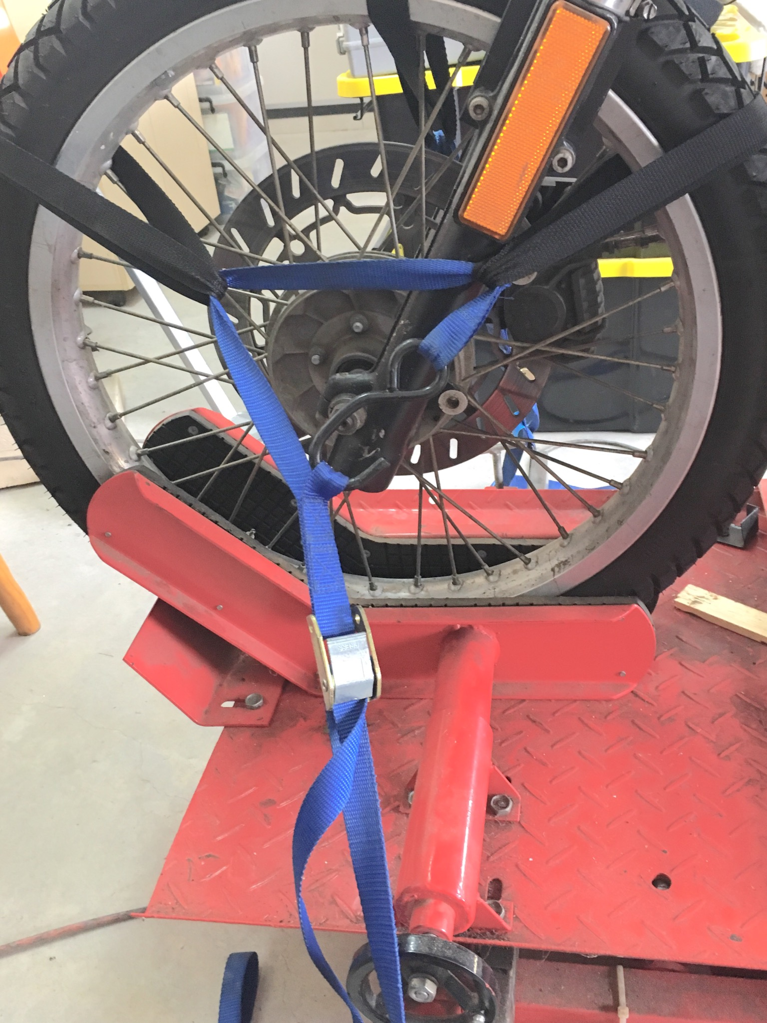 Where to tie down k100RS on a big lift 0b610810