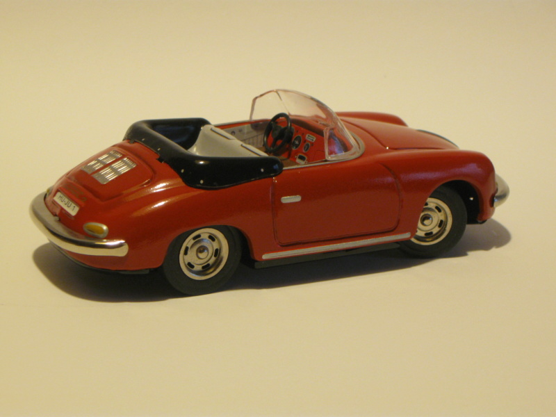 Porsche 356 Speedster in 1:16 von Revell Img_4412
