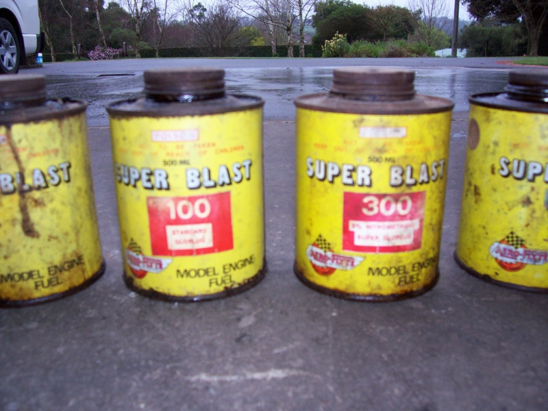 Ok, show your collectable glow fuel cans - Page 2 100_5214