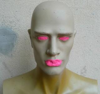 Peinture tête de mannequin 215
