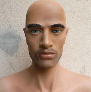 Peinture tête de mannequin 512