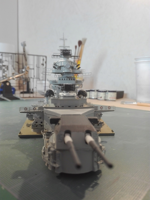 Bismarck par HellCat76 1/350 Academy, kit eduard - Page 9 Img_2044