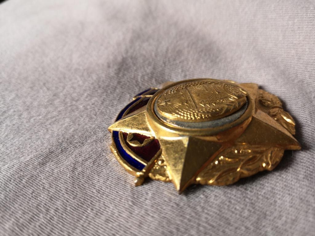 Ordres et médailles Corée du Nord Img_2033