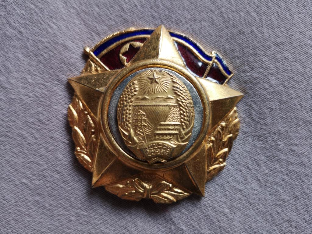 Ordres et médailles Corée du Nord Img_2035
