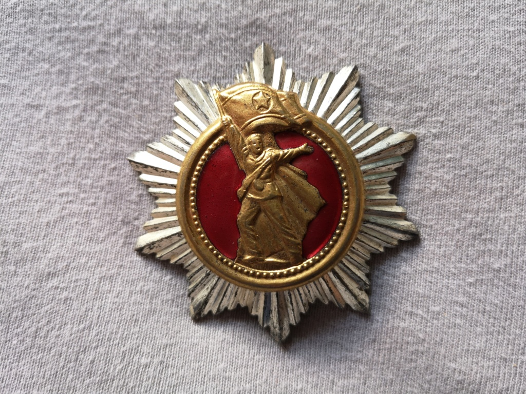 Ordres et médailles Corée du Nord Img_2038