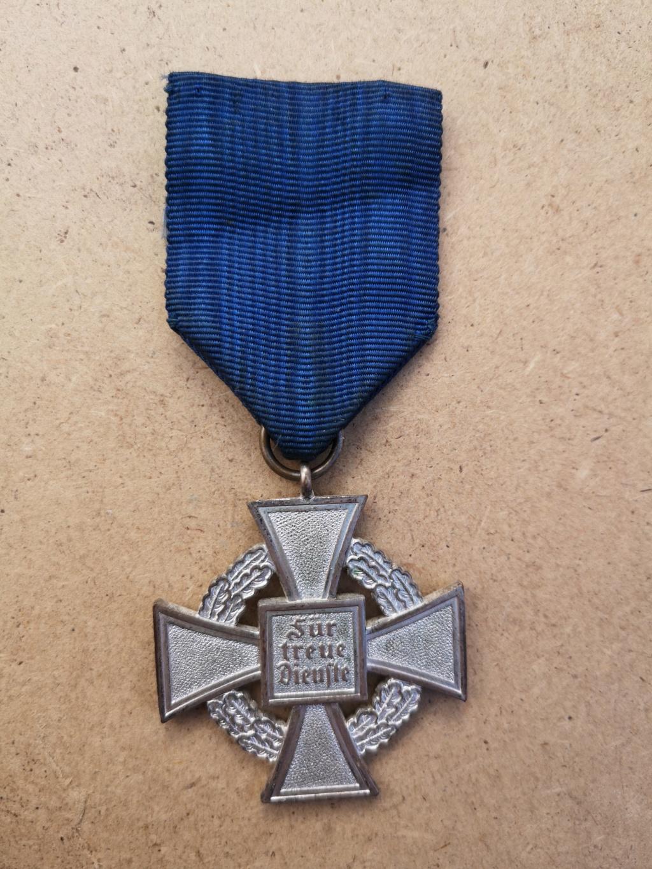 Médaille 25 ans de services, Allemagne  Img_2089