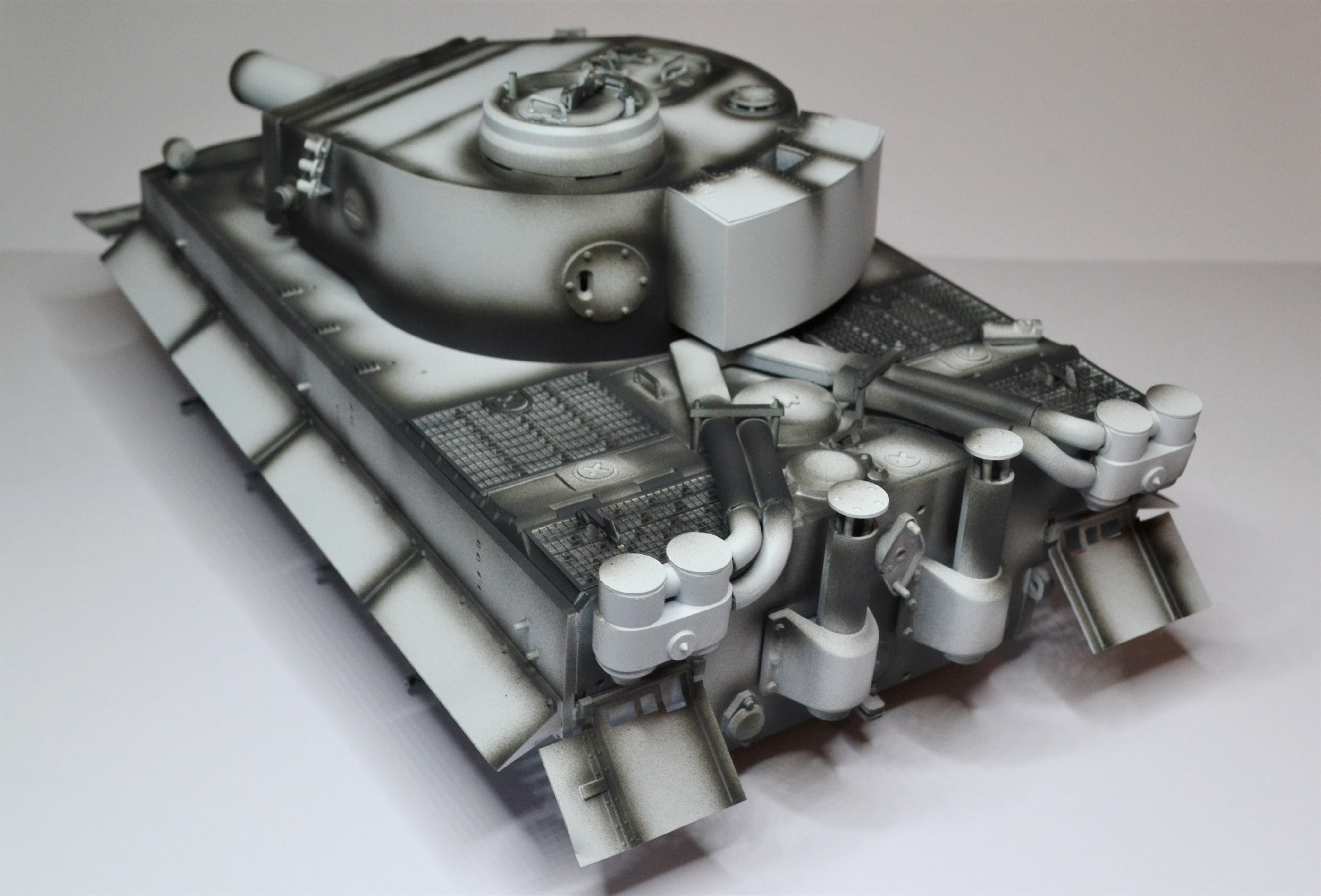 Tiger 1 early production Tamiya 1/25  Pypomj10