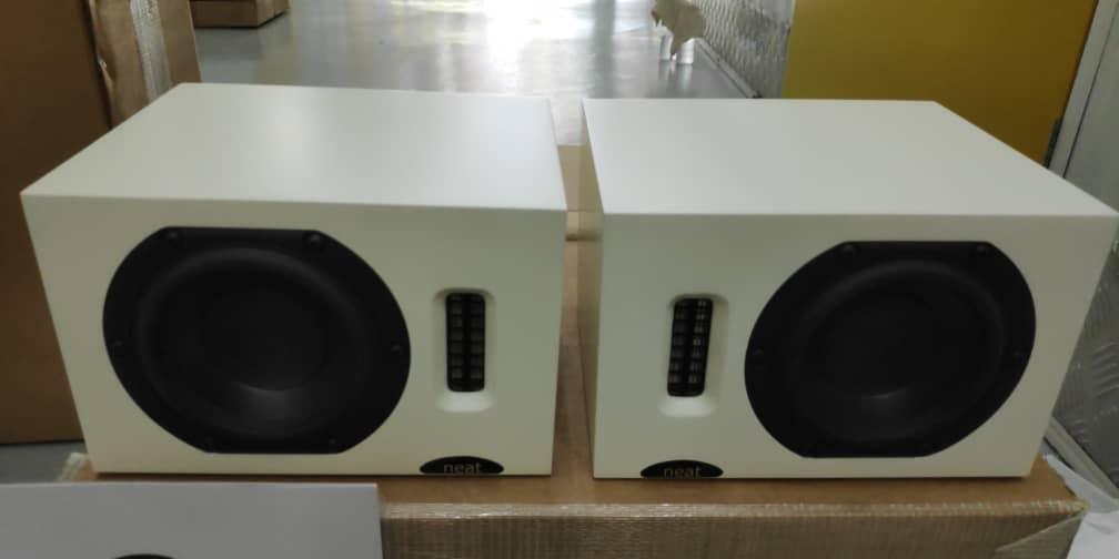 Neat Acoustics iota bookshelf speakers Img-2050