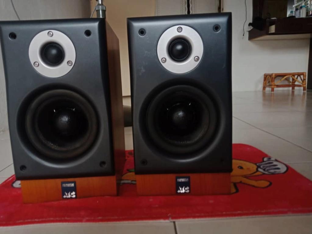 Atc scm7 bookshelf speaker  Img-2094