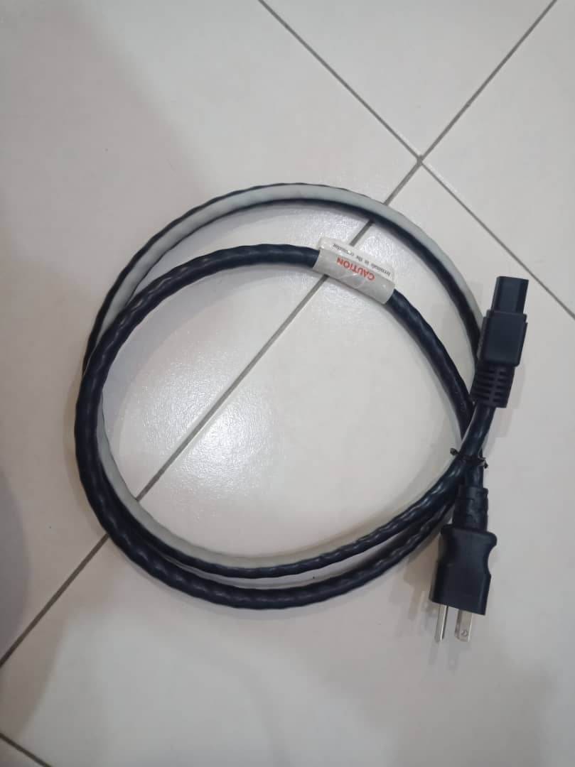 Shunyata research venom 3 power cord (sold)  Img-2106