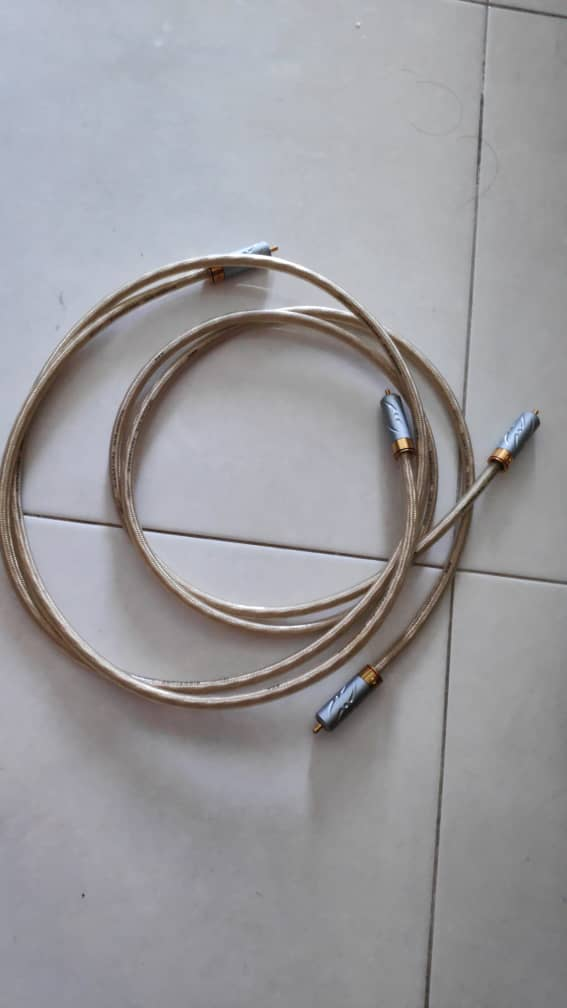 Qed signature subwoofer cable  Img-2124