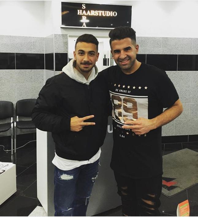 ¿Cuánto mide el peluquero Mustafasi? Aaa10