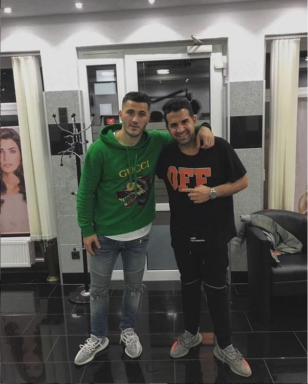 ¿Cuánto mide el peluquero Mustafasi? Aaa15