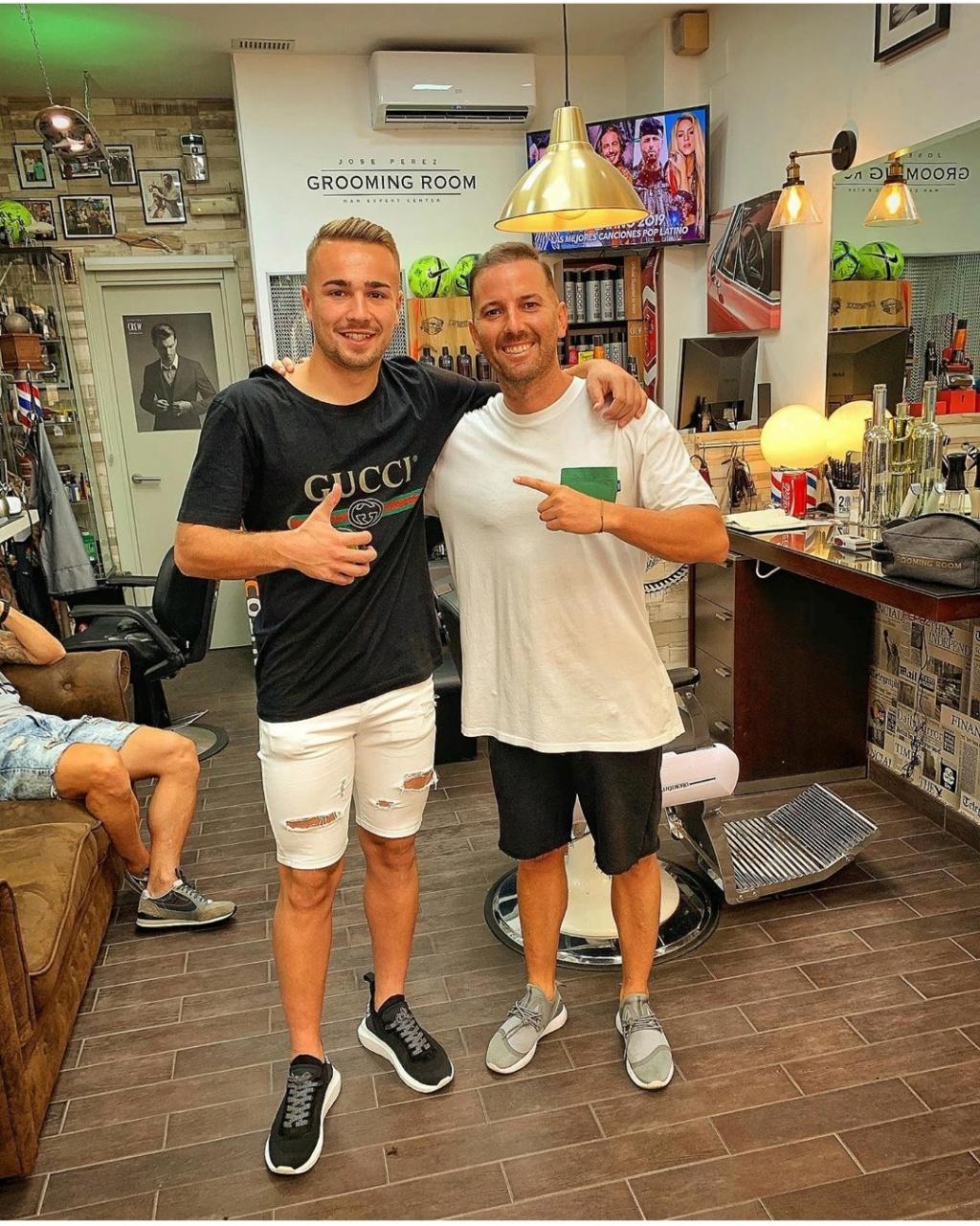 ¿Cuánto mide el peluquero José Peluka?  Img_1482