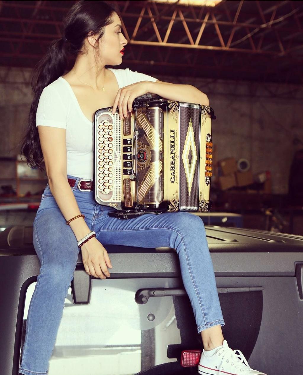 DEBATE sobre belleza, guapura y hermosura (fotos de chicas latinas, mestizas, y de todo) - VOL II - Página 2 Img_1532