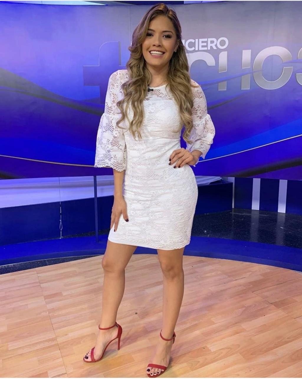¿Cuánto mide Zully Rodríguez? - Altura - Real height Img_1541