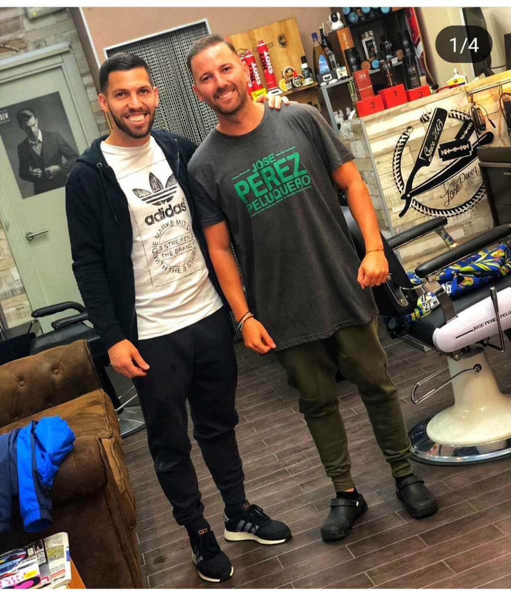 ¿Cuánto mide el peluquero José Peluka?  Img_2029