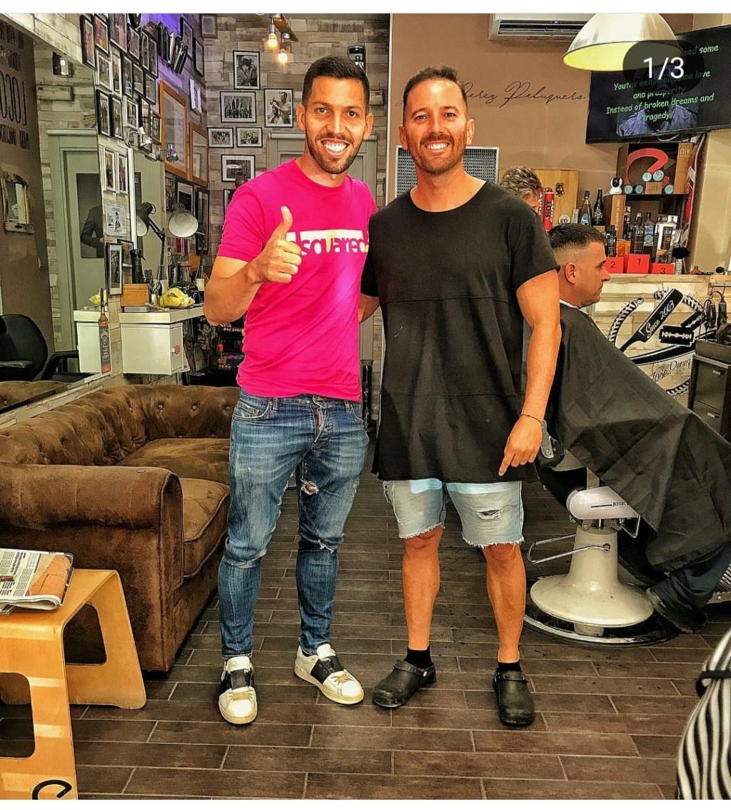 ¿Cuánto mide el peluquero José Peluka?  Img_2031