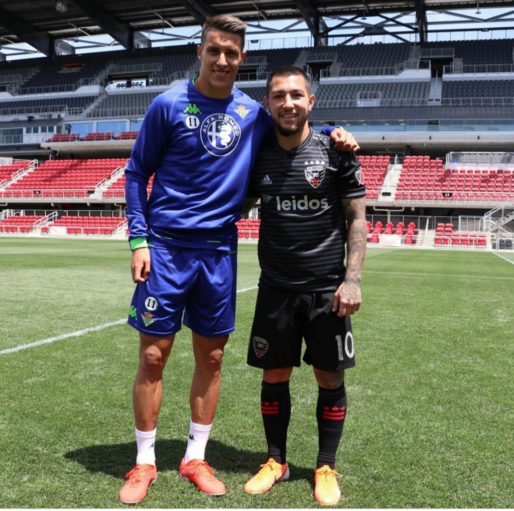 ¿Cuánto mide Luciano Acosta? - Real height Img_2316