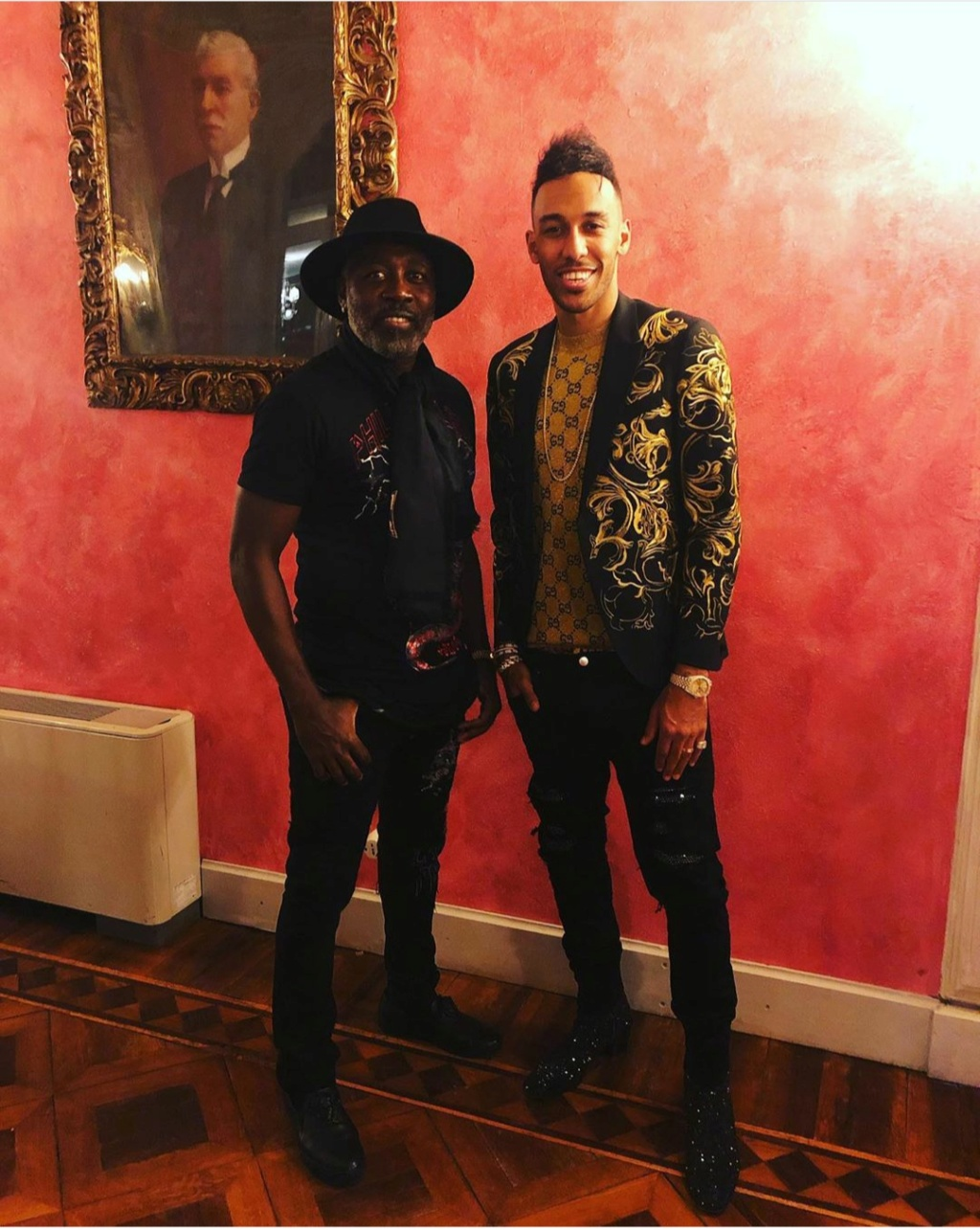 ¿Cuánto mide Pierre Emerick Aubameyang? - Real height Img_2322