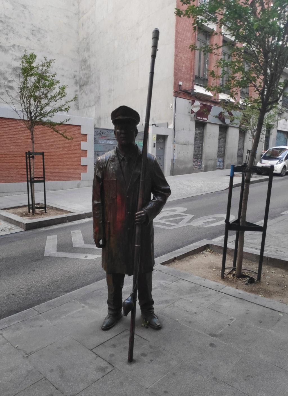 ¿Cuánto mide la estatua del Farolero? Img_2567