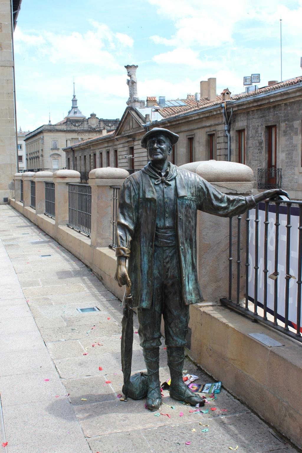 ¿Cuánto mide la estatua de Celedón?  Save_295