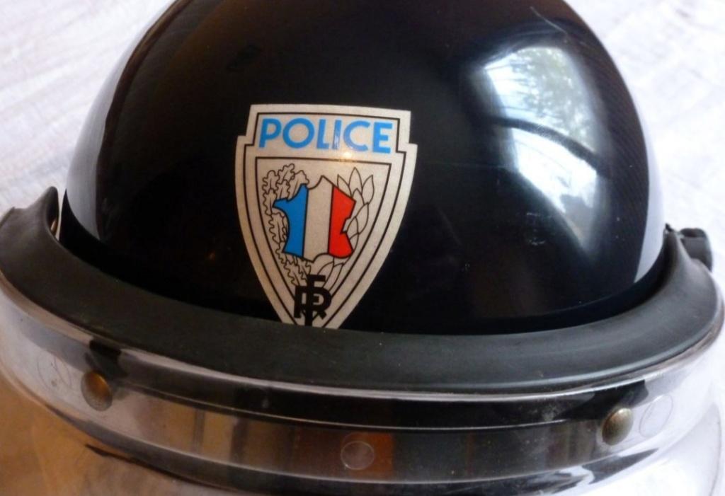 Casque police epoque 20191110