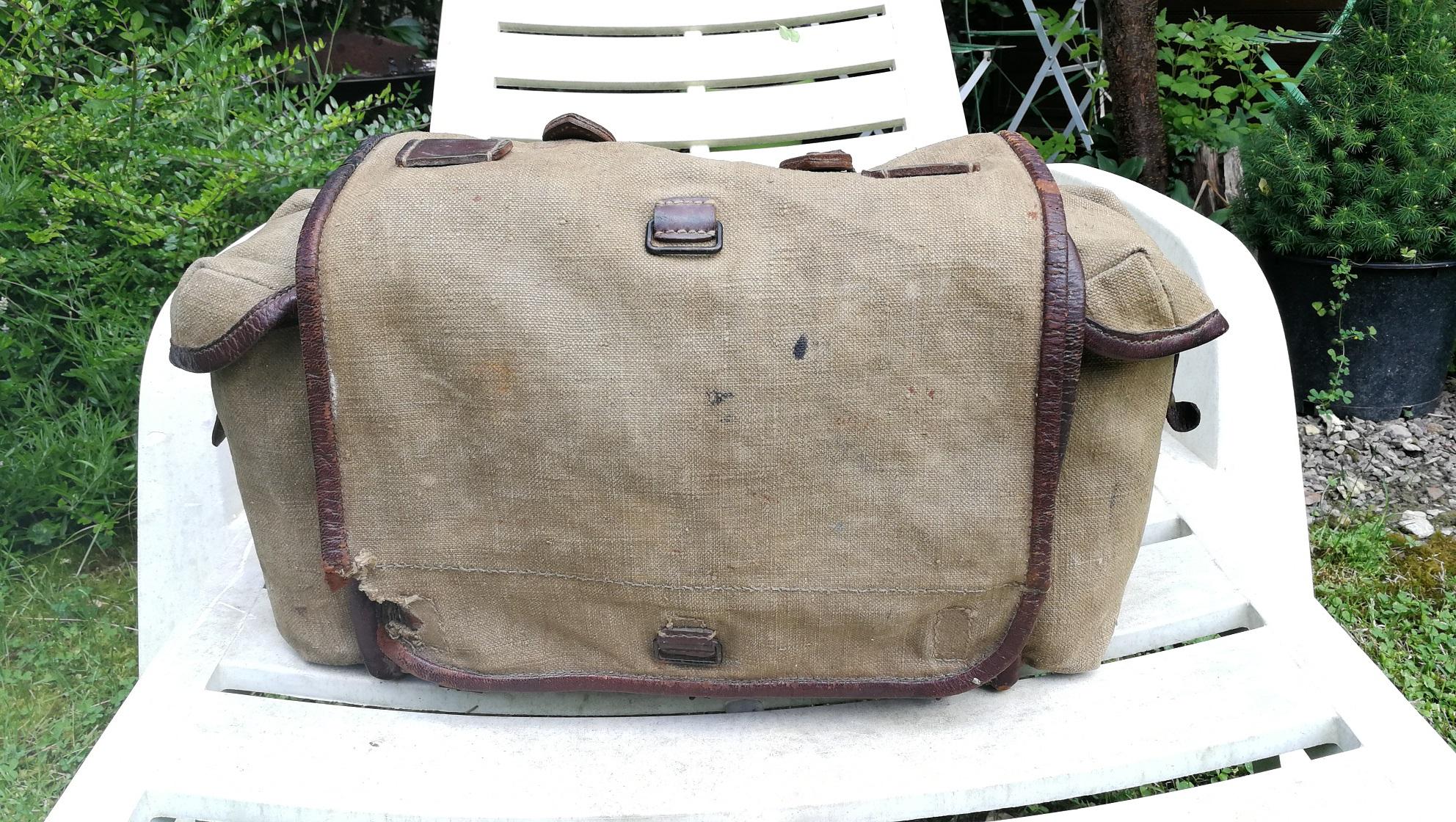 Selle allemande ww1, sac supérieure modèle 1935.... Img_2012