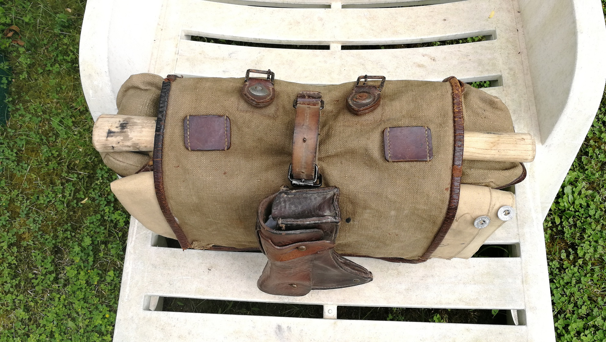 Selle allemande ww1, sac supérieure modèle 1935.... Img_2017