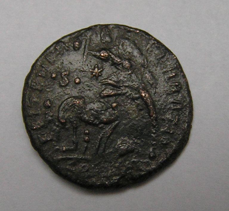 Majorina réduite de Constantius II - FEL TEMP REPARATIO Consta12