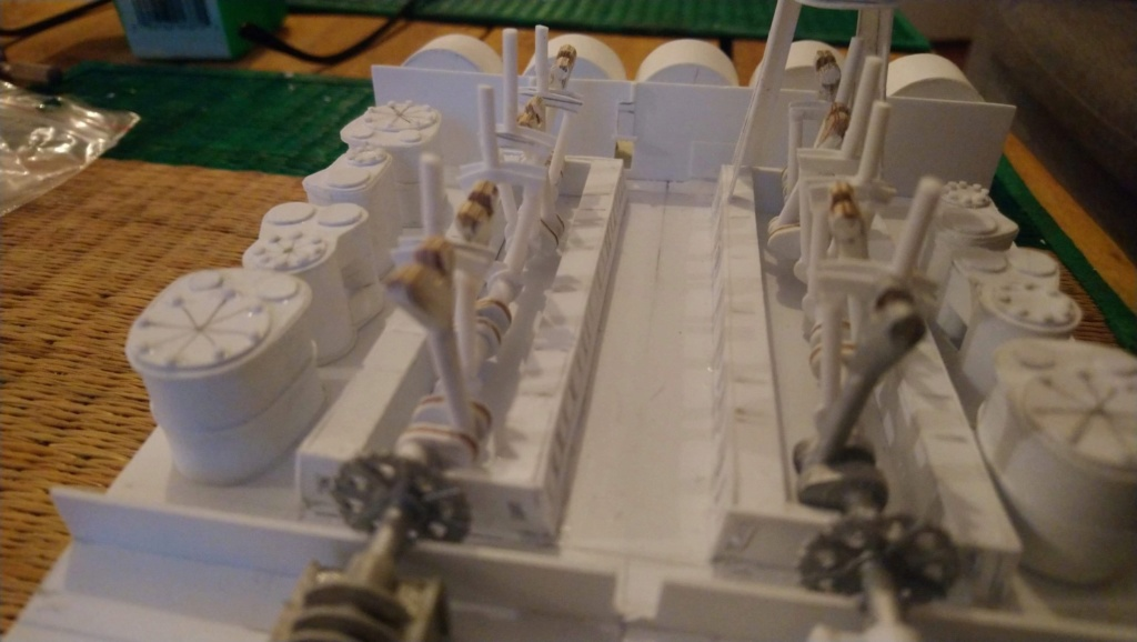 Projet salle des machines du Titanic au 1/200 FINI  - Page 2 Img_1533