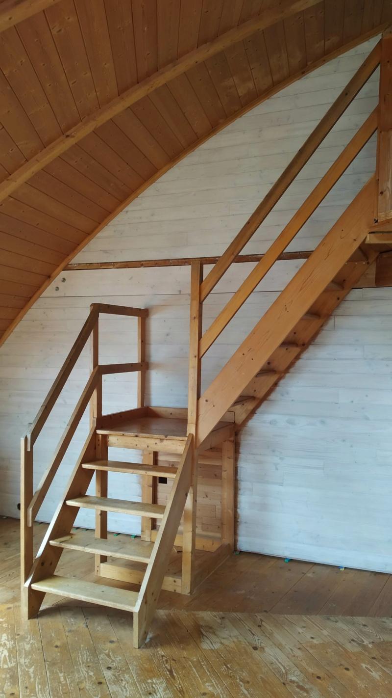 Métal et bois : escalier et meuble ! Img_2010