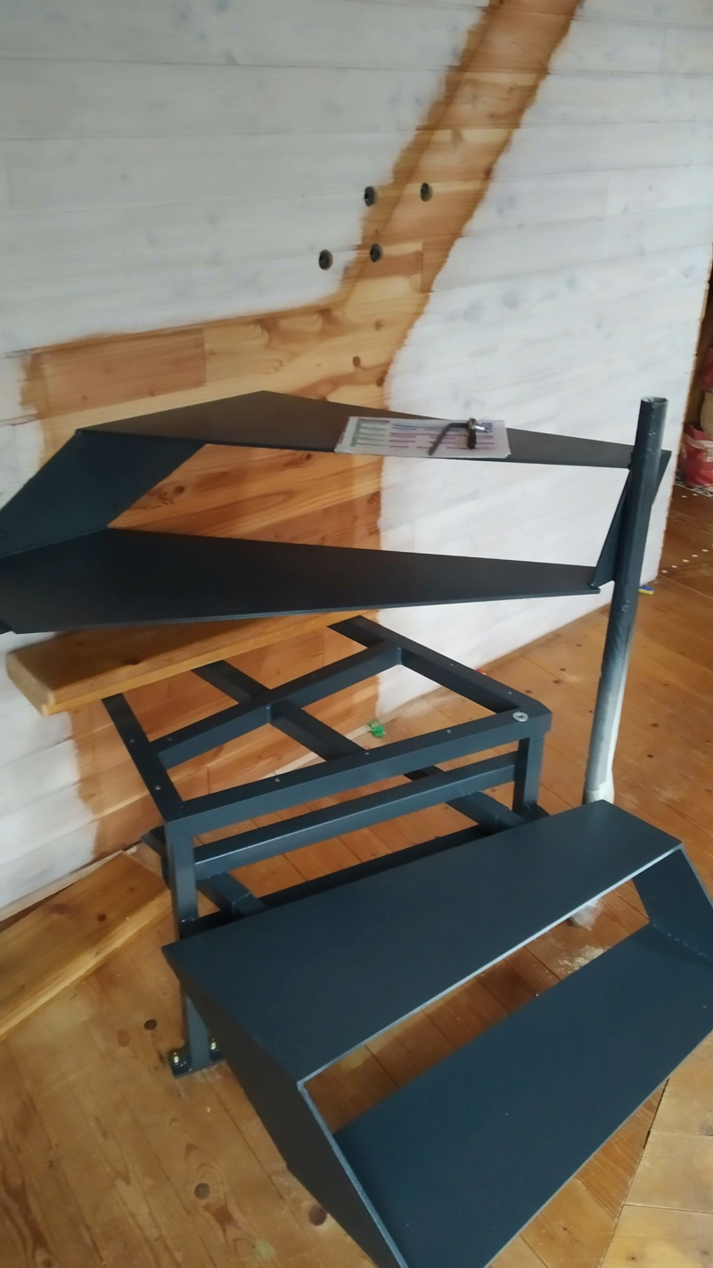 Métal et bois : escalier et meuble ! Img_2015