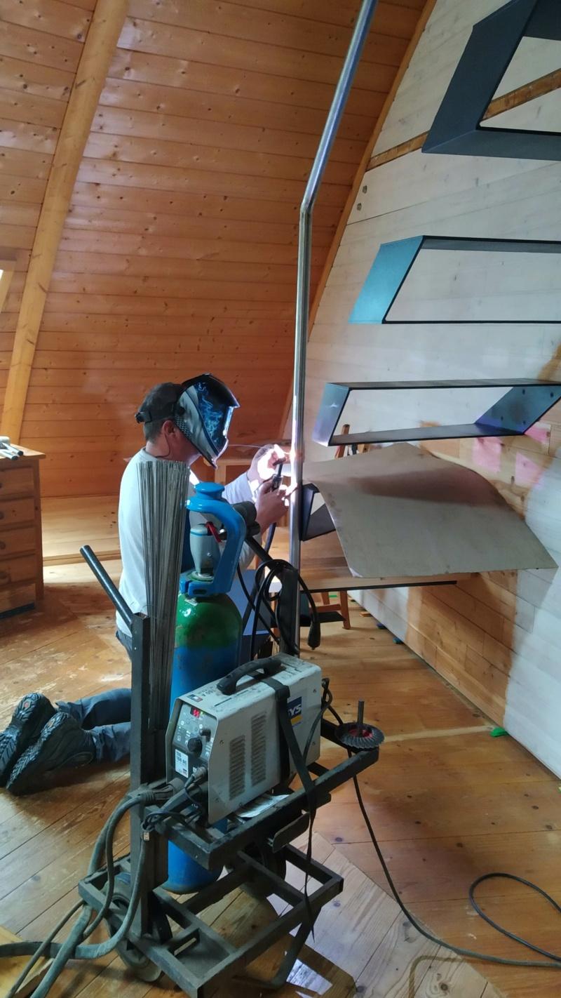 Métal et bois : escalier et meuble ! Img_2023
