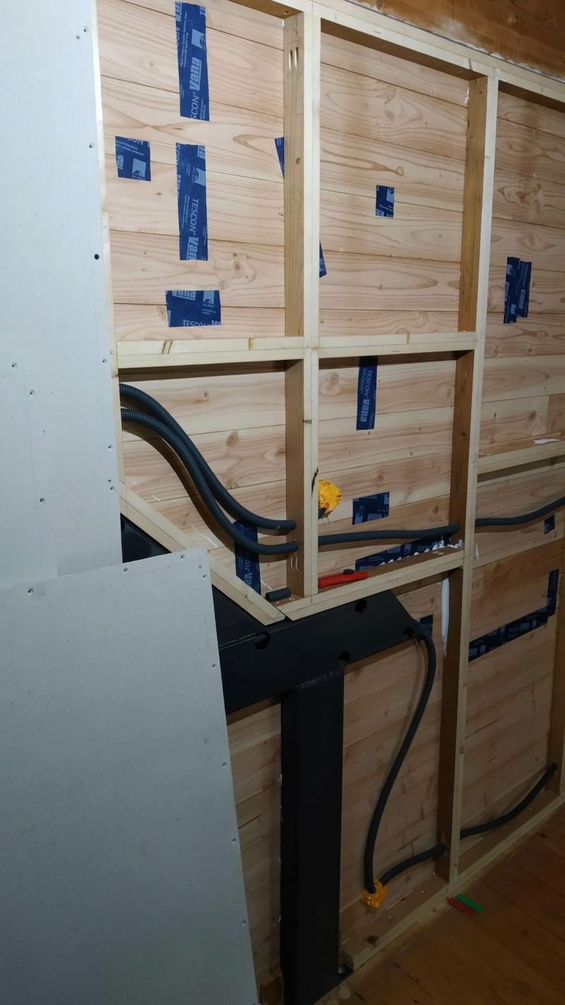 Métal et bois : escalier et meuble ! Img_2026