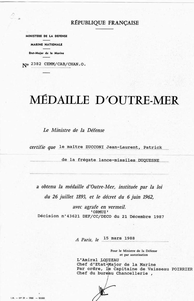 [LES TRADITIONS DANS LA MARINE] LE PORT DES DÉCORATIONS - Page 16 0412