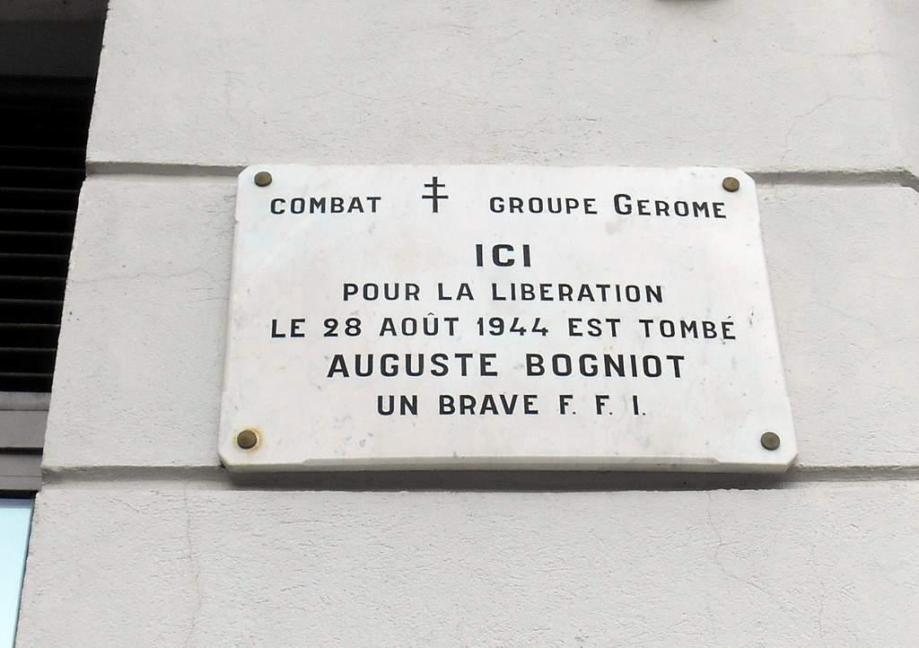 [ Histoires et histoire ] Monuments aux morts originaux Français Tome 2 - Page 14 Dscn0854