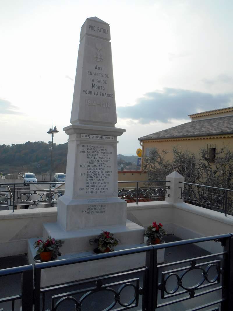 [ Histoires et histoire ] Monuments aux morts originaux Français Tome 2 - Page 15 Dscn0855