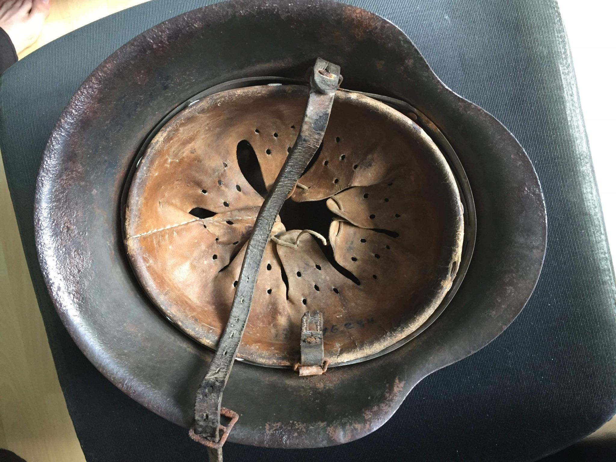 Pour les amateurs de casques et schirmmütze  59d74b10