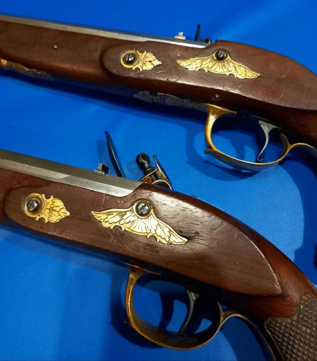 Pistolets belges?  Foto410