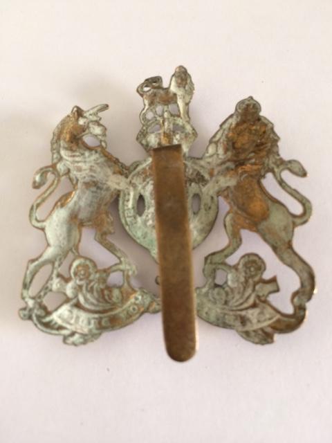 Insigne de beret britannique Dieu et mon droit Img_3311