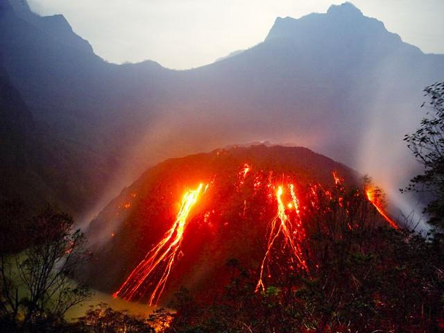 Vulkani - Page 28 3303ke10