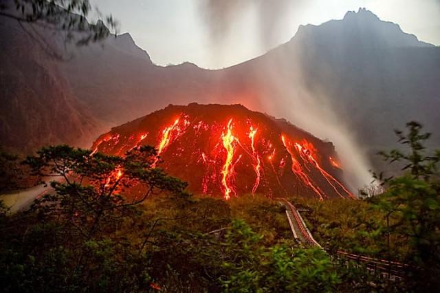 Vulkani - Page 28 Gunung10