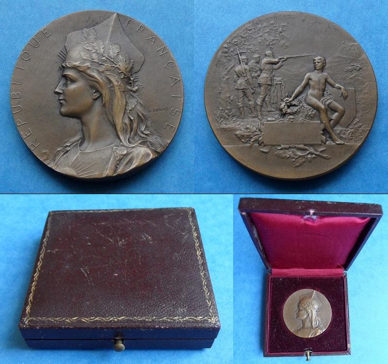 les médailles de tir , des ouvrages et manuels 23210
