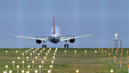Les premières pistes du futur aéroport nantais 3cdec310